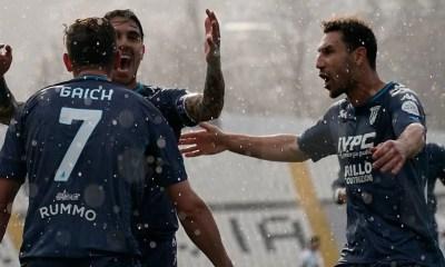 Esultanza gol Gaich Benevento