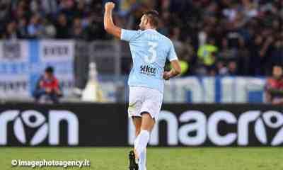 esultanza-gol-Stefan-de-Vrij-difensore-Lazio