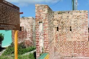 DSCN0372 corner of Fort Barlee in downtown Corozal