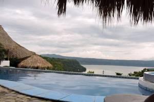 pool at Bucaneros