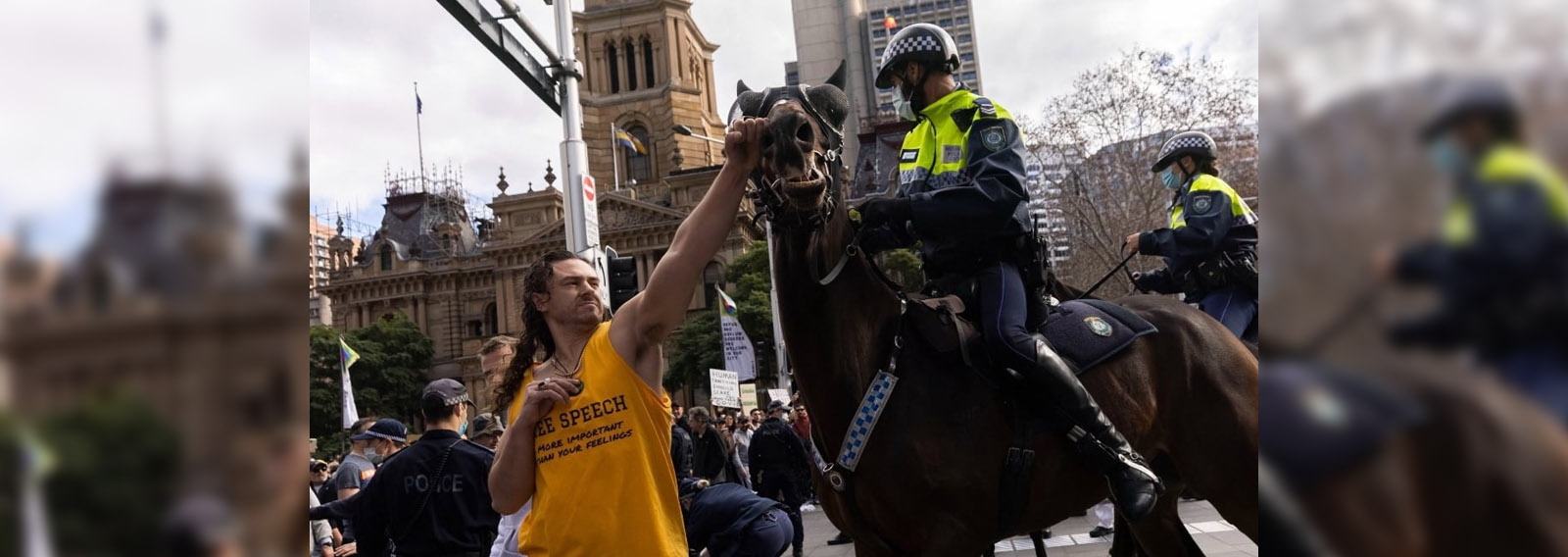 """WATCH: Police Accused of """"Fake News"""" After Video Emerges of Man """"Punching"""" Horse"""