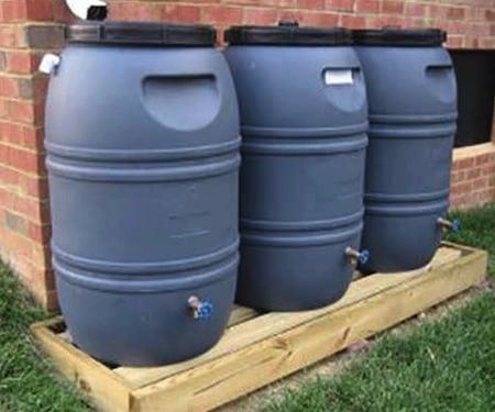 conservation de l' eau bidons