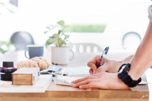 adult-business-desk-296886