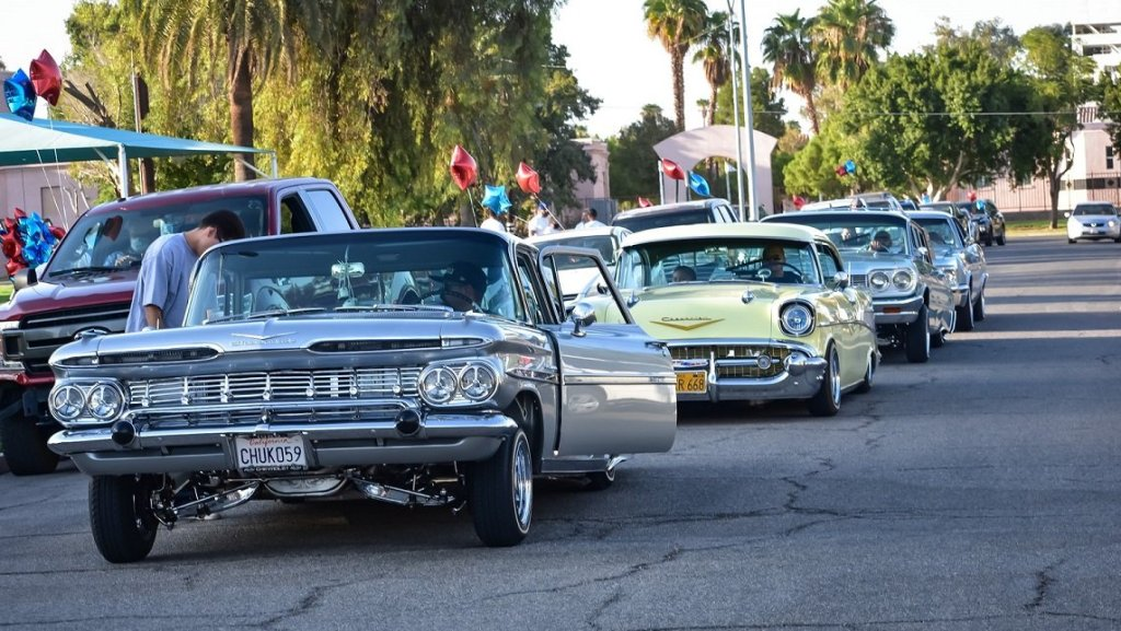 the county of Imperial, city of Calexico, Neighborhood House and other groups pushing last-minute participation in the decennial event took to the streets of Calexico during the final Car Caravan on Sept. 22.
