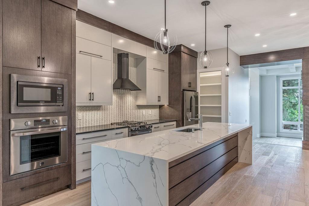 calgary inner city infill - gourmet kitchen