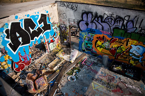 Abandoned Graffiti building outside of Calgary. Photo by Olivia Baychu.