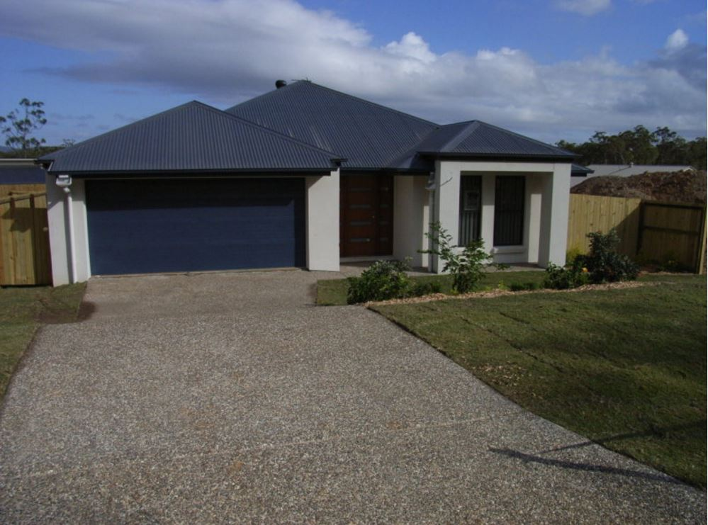 13 Pamphlet Lane, Coomera