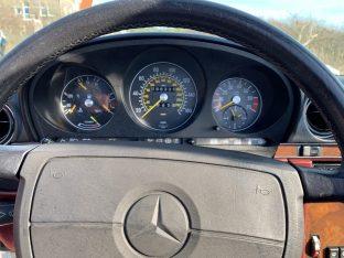 Cali-Cars 1988 Mercedes Benz 560 SL Roadster Arctic White/Burgundy
