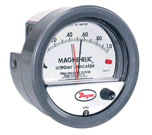 Dwyer Differential Pressure Gauge P/N 2204