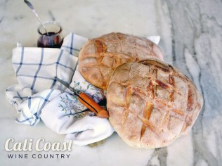 Jane-at-the-Marketplace-Goleta-Bread-by-Liz-Dodder