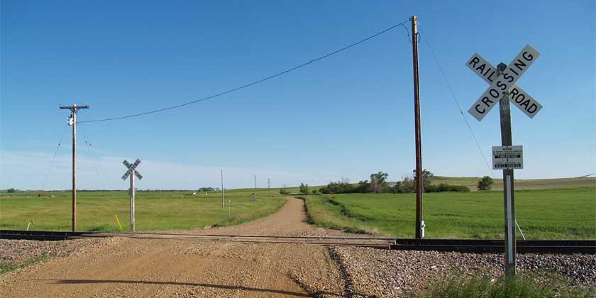 passive railgrade crossing - Photo by Andrew Filer-