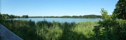 1280px-Lake_Heiligensee_summer