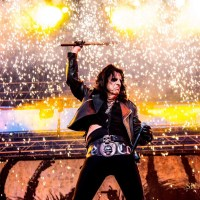 Alice Cooper at Thunder Valley Casino, Lincoln, CA 6/16/2017 pics by Shanda Golden