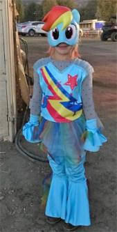 costume-parade23