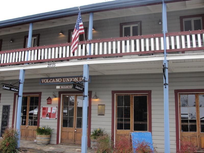 Volcano Inn