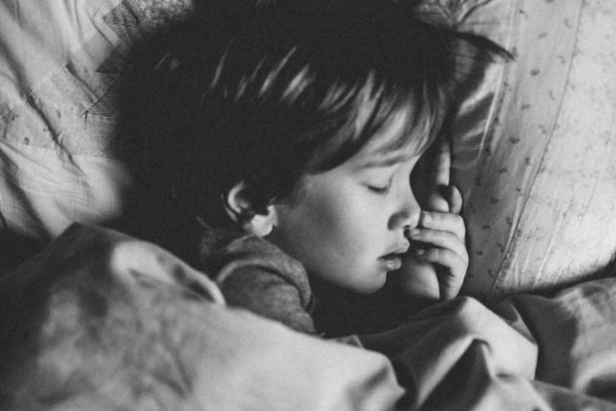 enfant barrière de lit
