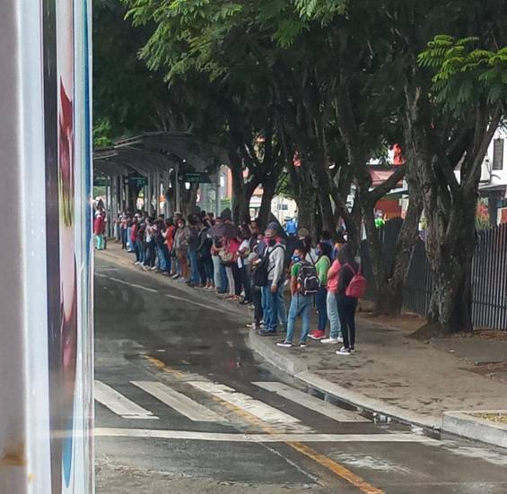 Protesta por suspensión de rutas del MÍO