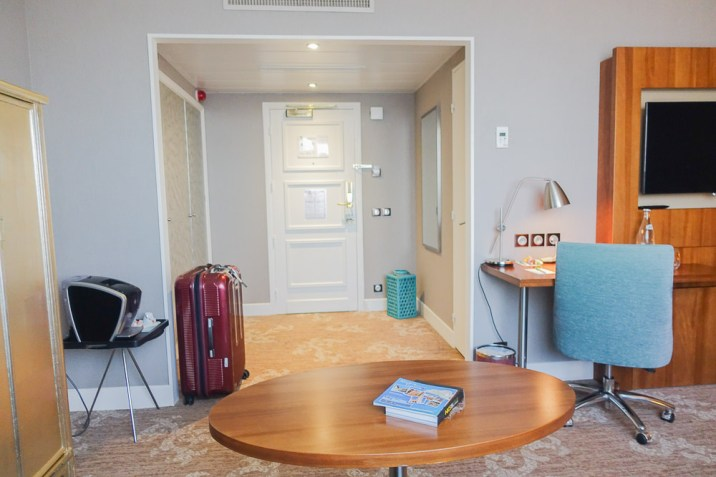 holiday inn nice france junior suite door and entryway