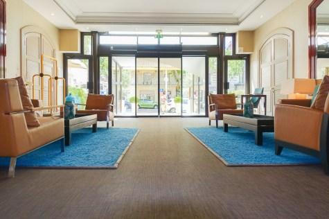 holiday inn nice france hotel entrance to lobby