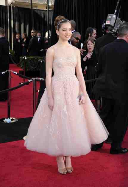 Hailee Steinfeld Oscar 2011 dress