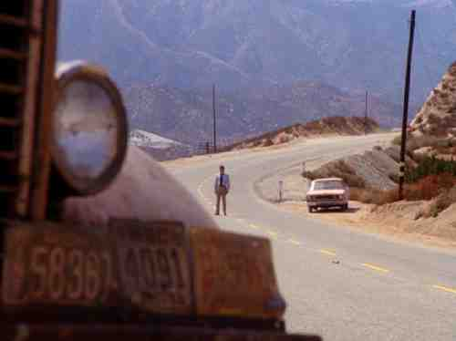 Duel (1971) - Dennis Weaver Calls For Help