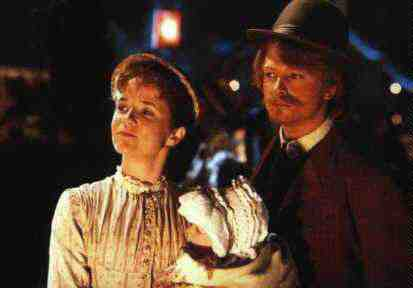 Michael J. Fox and Lea Thompson as Seamus McFly and Maggie McFly