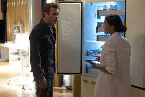 Jason O'Mara and Shelley Conn in Terra Nova's Proof