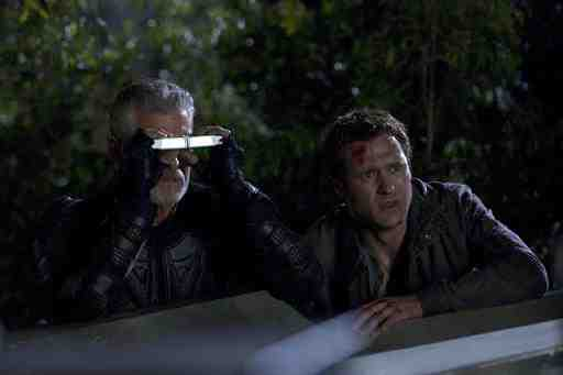 Jason O'Mara and Stephen Lang in Terra Nova Occupation