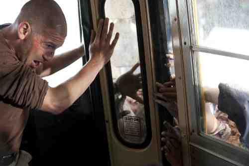 "The Walking Dead Recap: ""18 Miles Out"" (Season 2, Episode 10) 13"