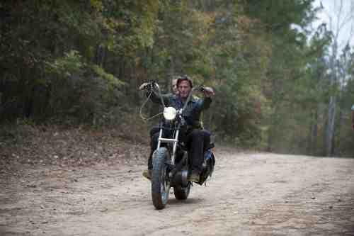 Walking Dead S03E13 Carol Daryl