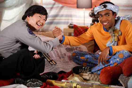 Community Recap: Pillows and Blankets (Season 3, Episode 14) 11