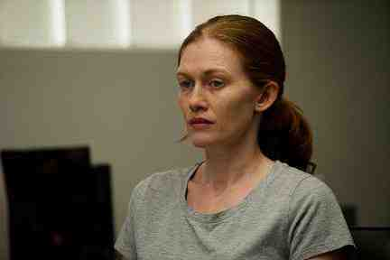 Sarah Linden (Mireille Enos) in The Killing 72 Hours