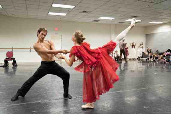 Still Photo: Dracula, Peninsula Ballet Theatre