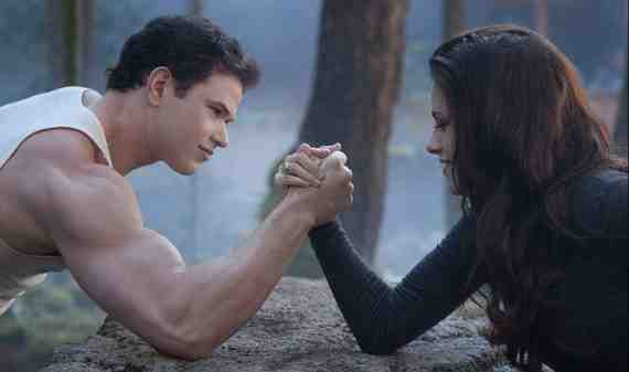 Movie Review: The Twilight Saga: Breaking Dawn - Part 2 2