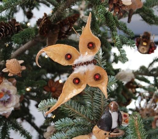 christmas ornaments 70244 640 - The Christmas tree: history, symbols and tradition