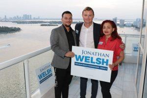 JW Party2 1 300x200 - Candidato al comisionado de Miami Beach Jonathan Welsh se opone a un consulado Cubano en Miami Beach