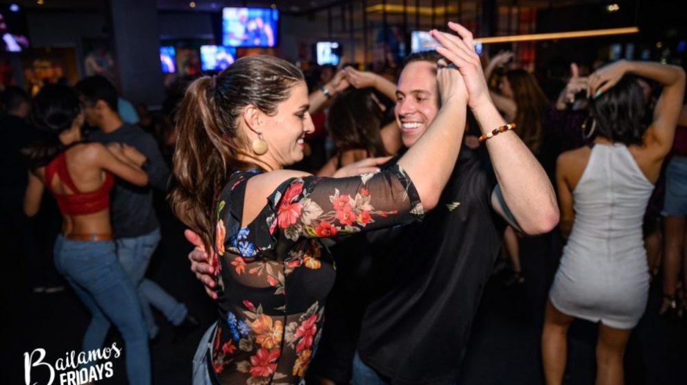 danceparty001 e1582036125232 - Las 8 mejores fiestas latinas de baile en Miami
