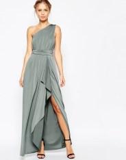 Maxi-robe asymétrique près du corps, Asos Wedding, 45,99 euros