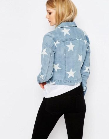 Veste en jean imprimé étoiles, Noisy May Petite (Asos) 49 euros