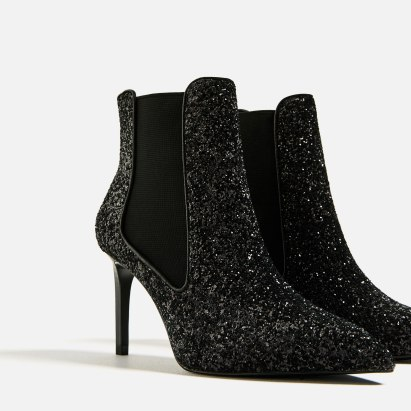 Bottines à talons brillantes, 45,95 euros, Zara