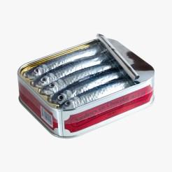 Boîte de sardines en chocolat au lait, 9,55 euros, Michel Cluizel