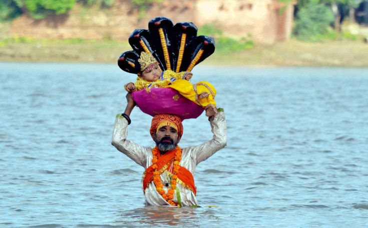 Krishna birth. Crossing the Yamuna. Agra.