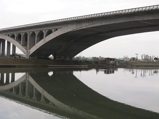 symetric-bridge2.jpg