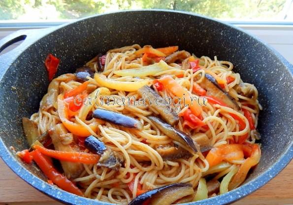 Спагетти с овощами в томатном соусе рецепт с фото