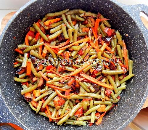 рагу из стручковой фасоли и овощей