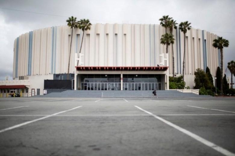 El ayuntamiento decidió comenzar de nuevo con el proyecto Pechanga Arena de 48 acres después de que el estado declarara que la ciudad no ofreció el sitio a los desarrolladores de viviendas asequibles. Foto de Megan Wood, Voice of San Diego