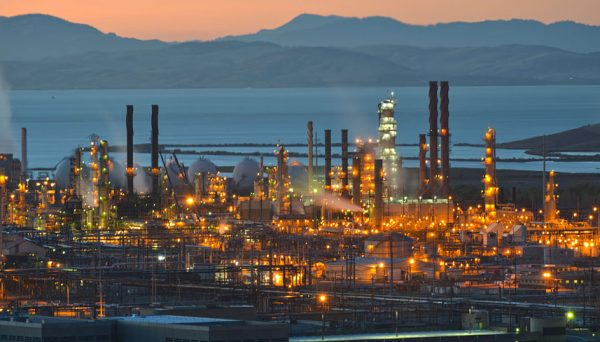 The Bay Area's Chevron Oil Refinery in Richmond. Photo by Scott Hess via Flickr