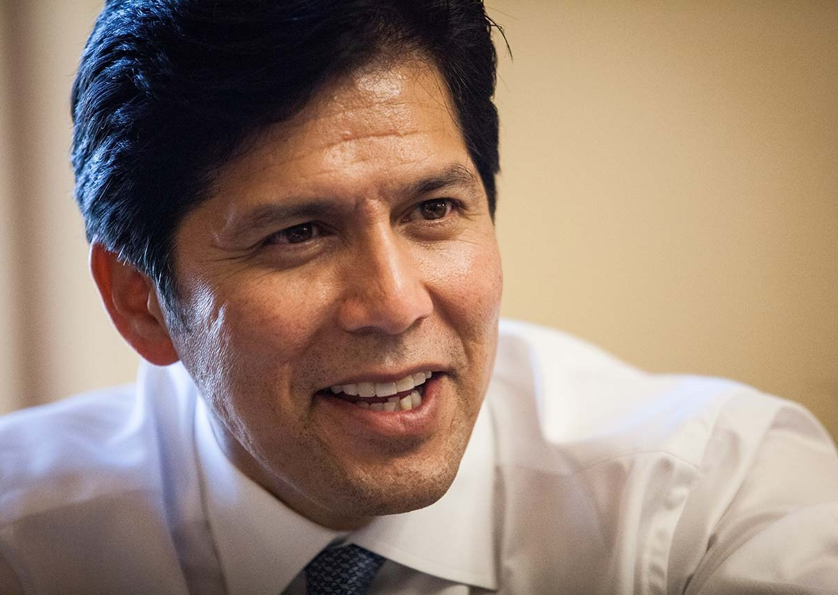 State Sen. Kevin de León of Los Angeles. Photo by Max Whittaker for CALmatters