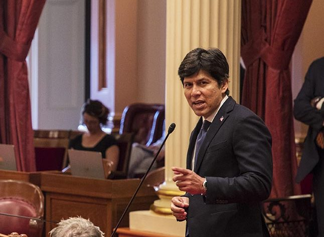 State Sen. Kevin de León still finds fault with Dianne Feinstein's role in the Supreme Court confirmation hearing for nominee Brett Kavanaugh. Photo by Robbie Short for CALmatters