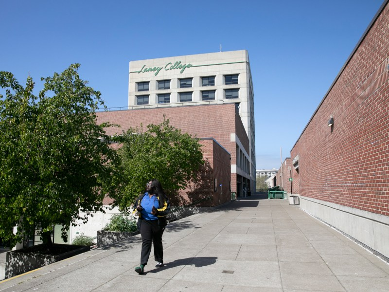 Laney College has cancelled all classes through April 6 in the wake of coronavirus concerns, while faculty train to teach online. Photo by Anne Wernikoff for CalMatters